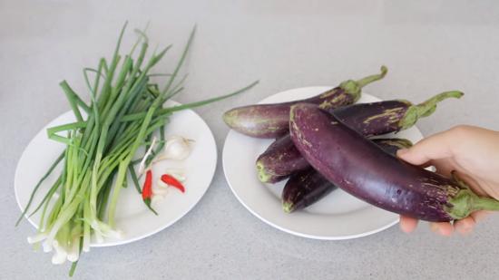 Cách làm cà tím nướng mỡ hành thơm ngon 2