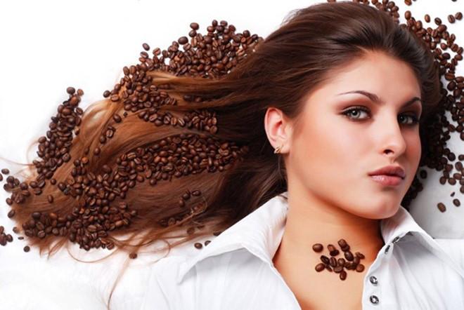 """10 công dụng làm đẹp """"không tưởng"""" của bã cà phê 4"""