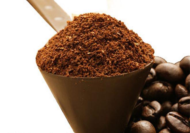 """10 công dụng làm đẹp """"không tưởng"""" của bã cà phê"""