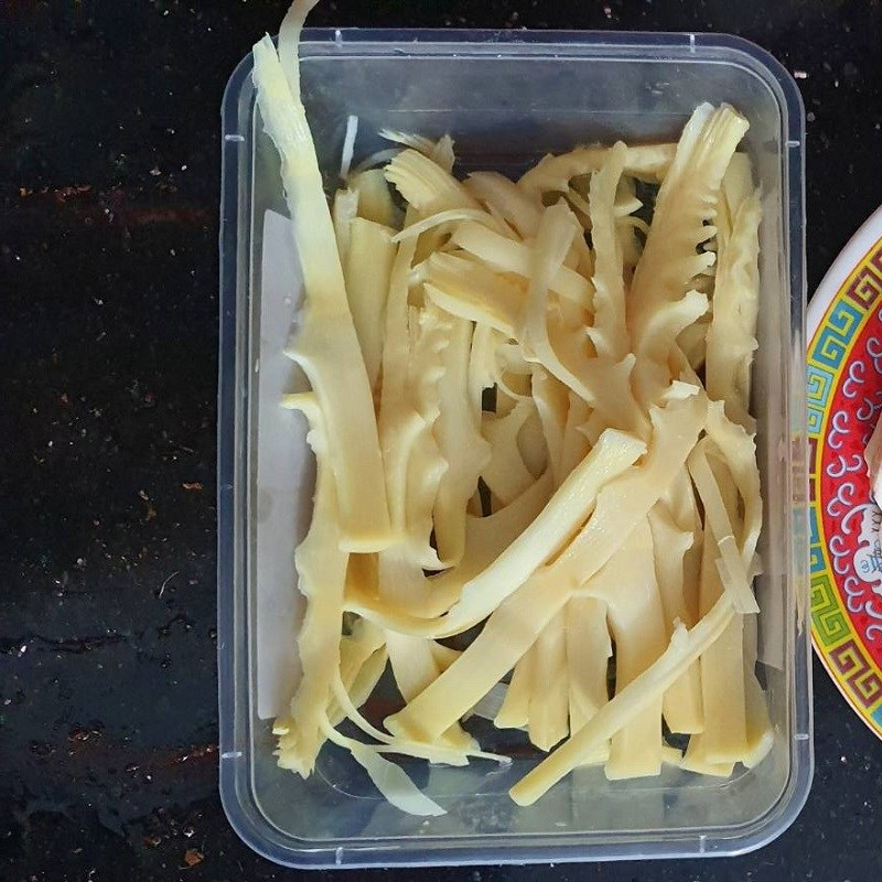 Bước 2 Sơ chế các nguyên liệu khác Vịt nấu chao